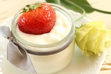 Проверка йогурта на качество
