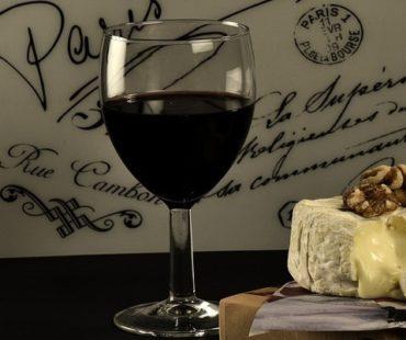 Как проверить качество вина в домашних условиях