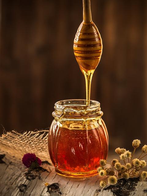 Проверка меда на тягучесть